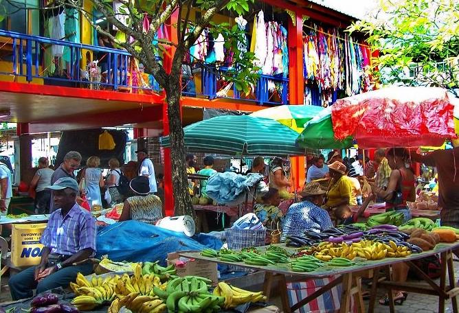 Seychelles cosa vedere Mercato Victoria Mahe