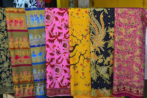 Cosa comprare a Bali stoffe