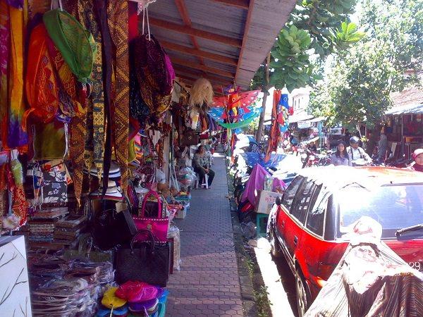 Shopping a Bali mercatini Kuta