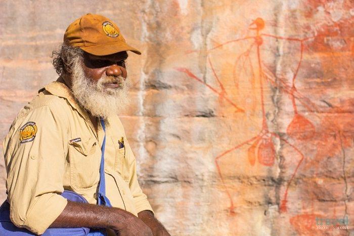 Kakadu ranger aborigeno